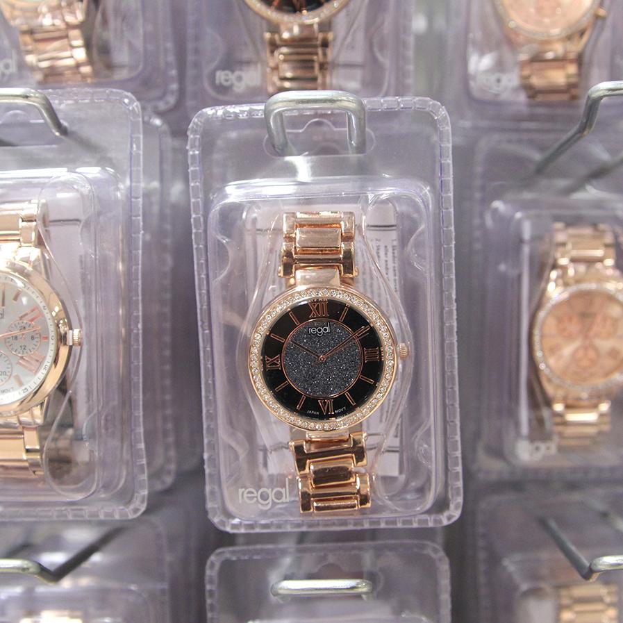 Klockor som ger koll på tiden från Gekås Ullared