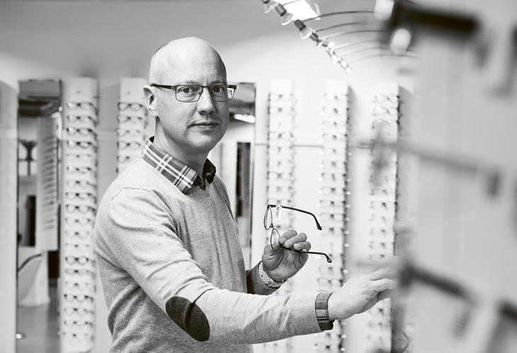 Conny Kock, chef på Glasögonfabriken Ullaredm Sveriges snabbaste optiker