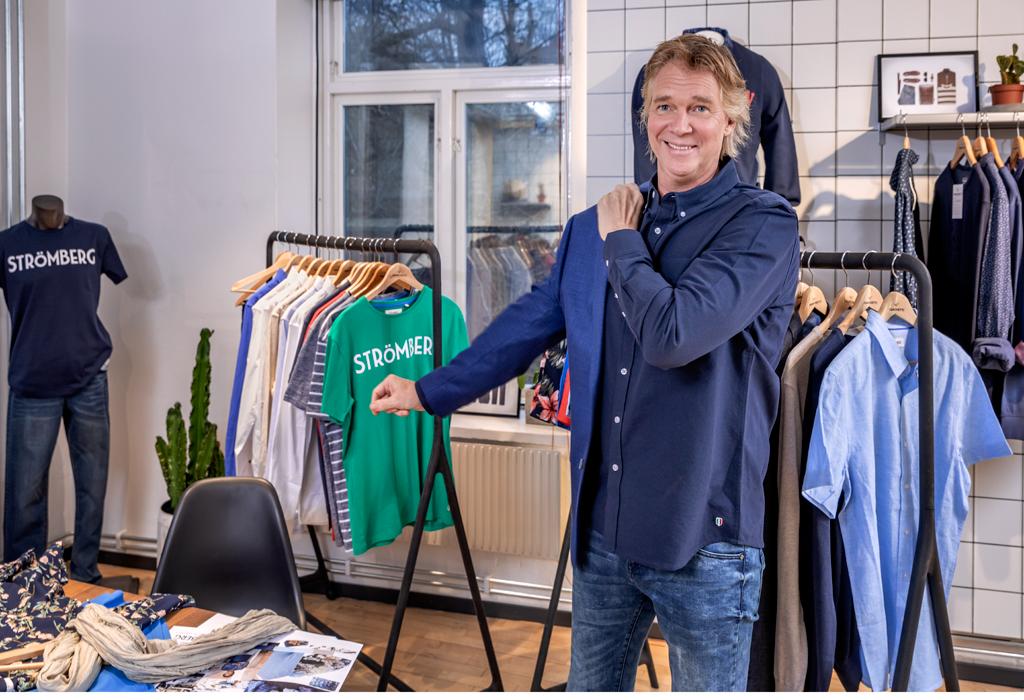 Glenn Strömberg modellar sin collektion